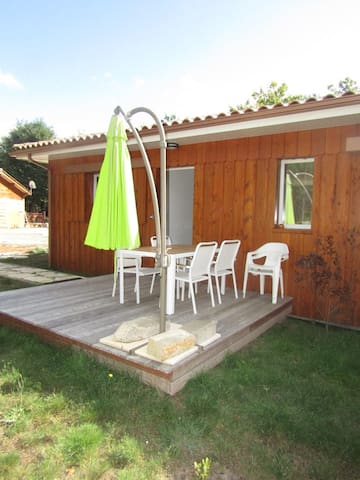 Semi-detached wooden house 2 bedrooms for 5/6 pers