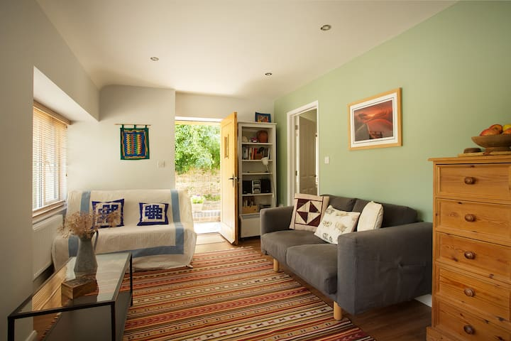 Self-contained and newly-appointed comfortable annexe