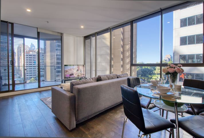Superb Apartment next Hyde Park: Heart of City