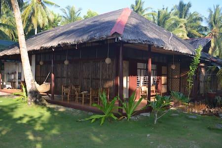 Siargao Island View Beach Front House 1 - General Luna - Maison