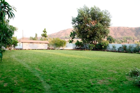 Clean and Beautiful Farmhouse - Mahabaleshwar