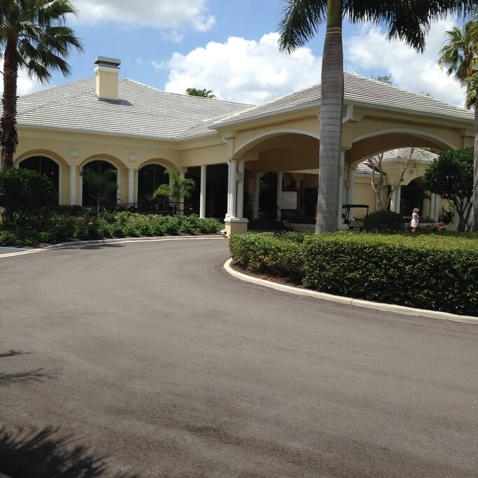 Beautiful Clubhouse  Restaurant and Grill Room catch all the sporting events