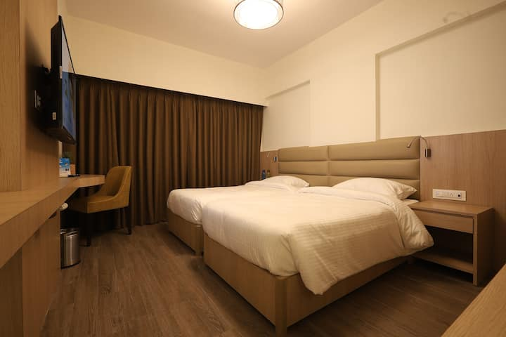 3BHK Serviced Apartment - Friends & Family