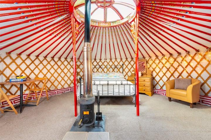 Fab farm stay - Luxury yurt & private bathroom