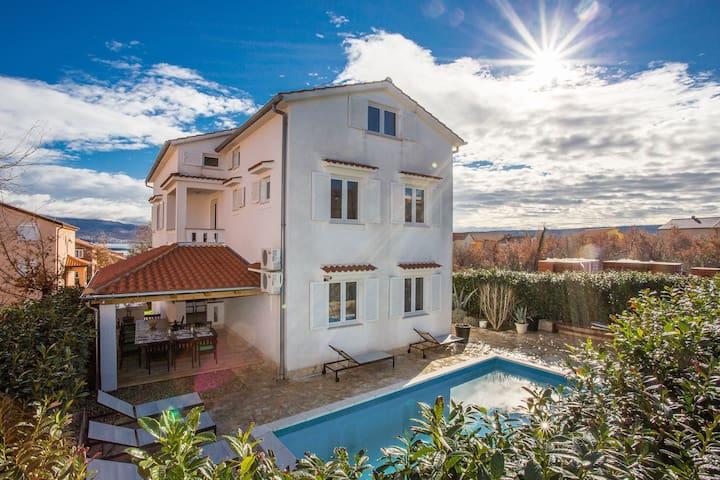 Apartment Vila Lidia **** in Soline bay