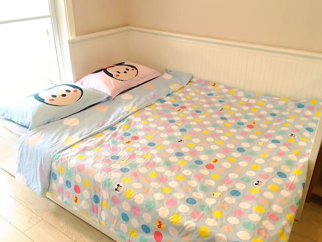 双人床/double bed