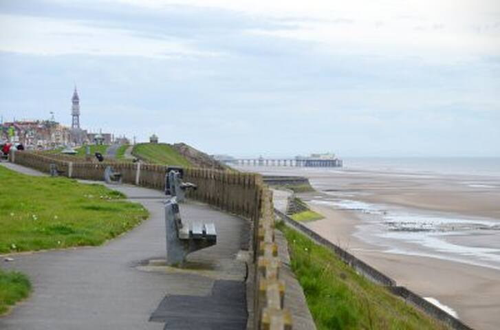 """Seaside Retreat"" Bispham Blackpool... - Blackpool"