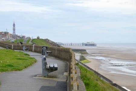 """""""Seaside Retreat"""" Bispham Blackpool... - Blackpool - Hus"""