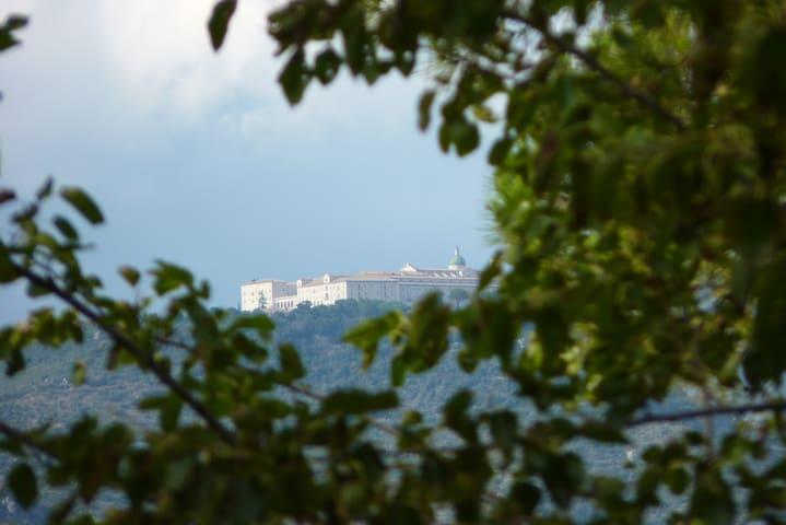 B&B-CAMERA TRIPLA  con veduta Abbazia Montecassino