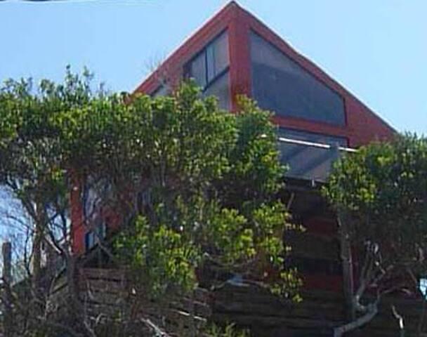 Casa la viuda. rustica a metros del mar