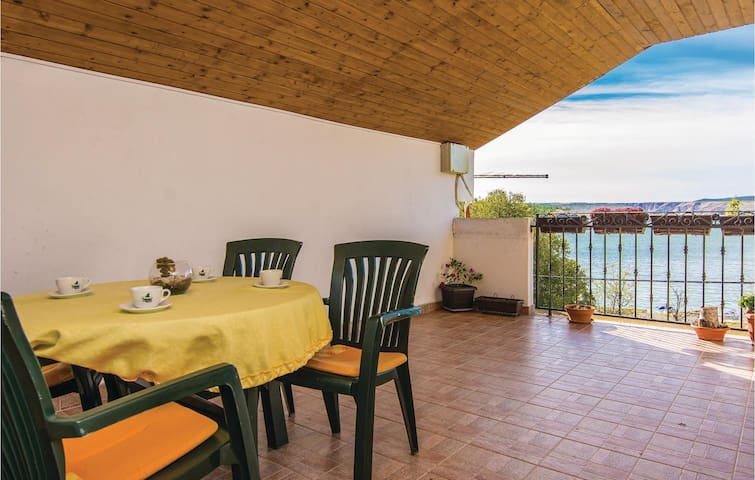 Holiday apartment with 3 bedrooms on 96 m² in Modric
