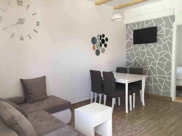 Dzakovic Apartment