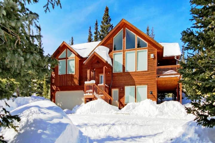 Sunny Pines- Mountainside Cabin