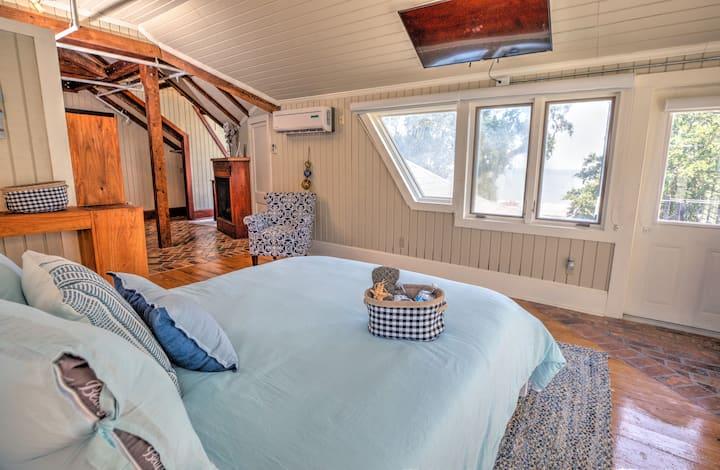 Biloxi Beach Cabin with Private Balcony Beach View
