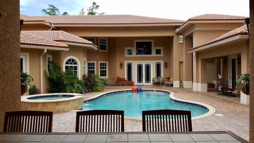 Oasis for 4 to 6-Private 2BR/1.5BA-WEF Polo