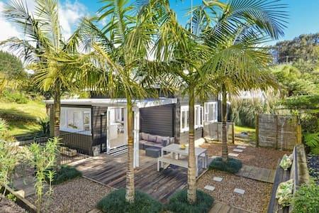 Waiata Palms Onetangi Waiheke Island