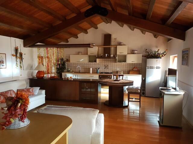 L'Antica Casetta: casa piemontese in centro