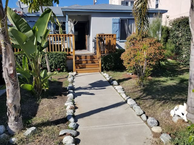 MASTER/PRIVATE ROOM in 3BR house, Pacific Beach,SD