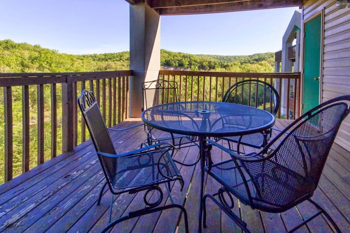 Branson Condo Rental | Eagles Nest | Indian Point | Silver Dollar City | Walk-in | Views (111604) - Branson - Appartement