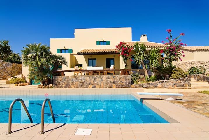 Aegean Blue Villa  Enjoy  exclusive stay in Crete