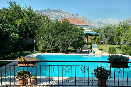 Villa with private pool & garden / Kemer (Antalya)