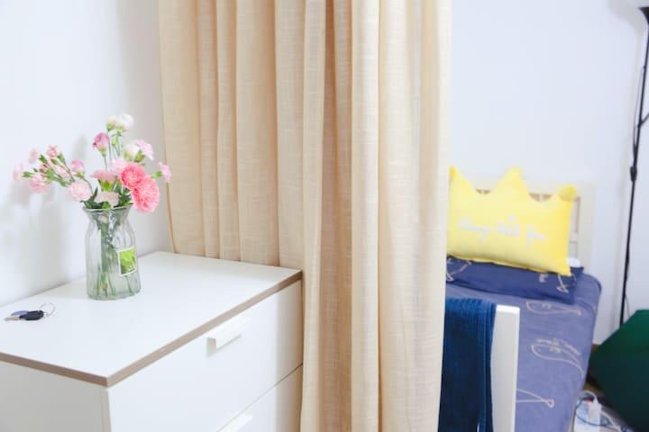 【三元桥/左家庄】自住房屋的温馨客厅沙发(限女性female only)
