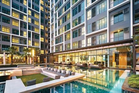 New-wifi-2BR-High floor.-Siriraj,GrandPalace,Siam - Bangkok - Selveierleilighet