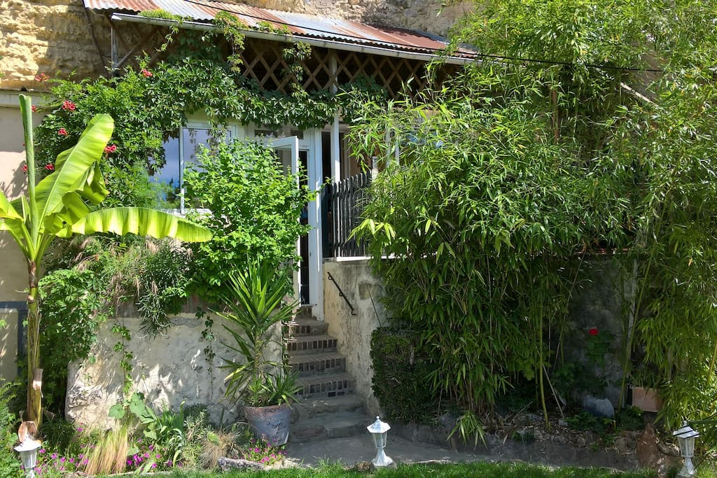 Le gite de la loire suite du jardin caves for rent in for Le jardin de la france