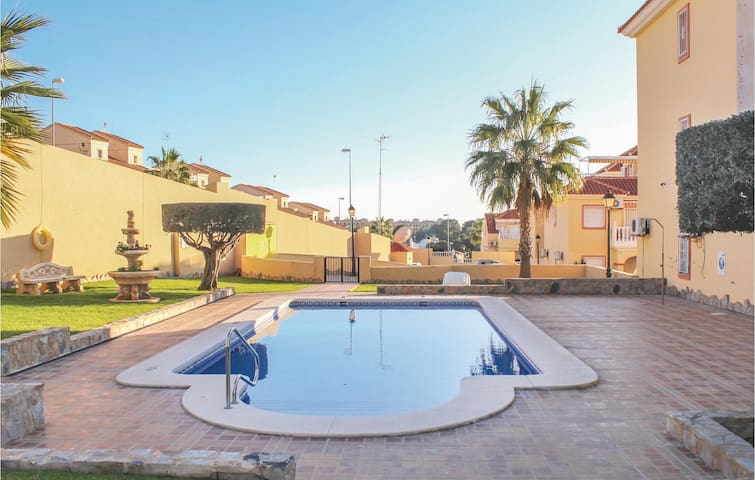 Holiday apartment with 2 bedrooms on 65m² in Orihuela Costa