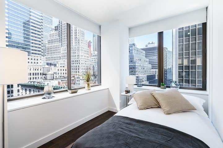 Alohause | Wall St | Showy & Neat Room + FIDI