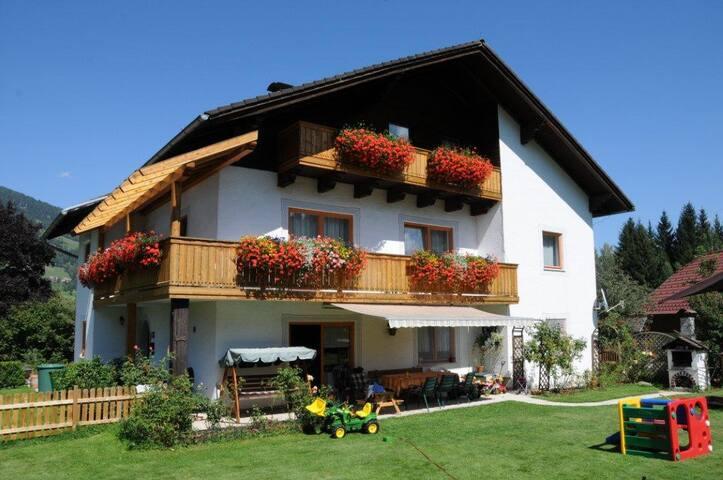 Haus Miriam Appartements und B&B am Kreischberg