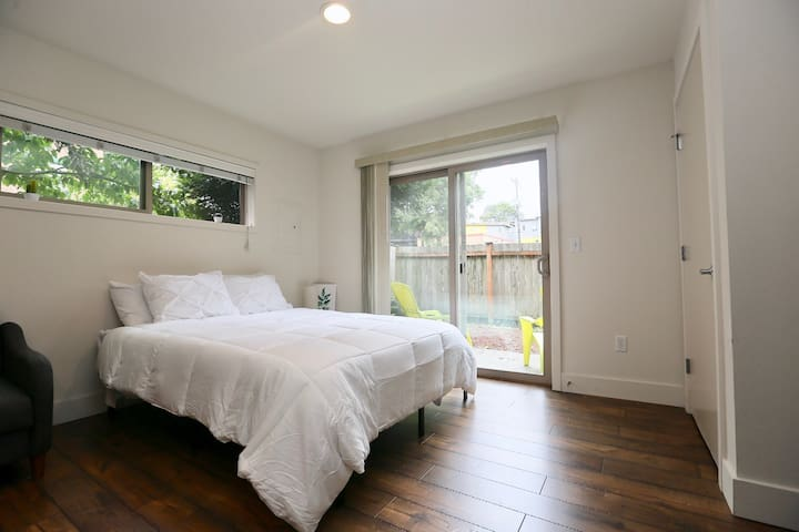 Charming Suite near Capitol Hill & Downtown!