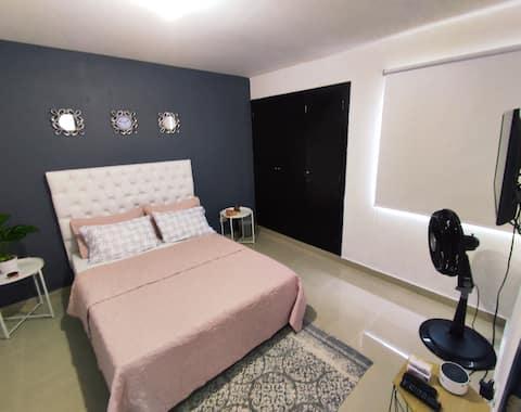 studio bien situé, spacieux et confortable.