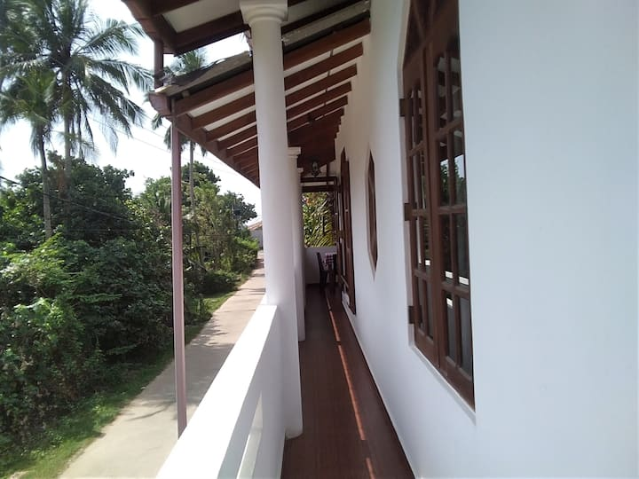 Chaminda Guest House 1