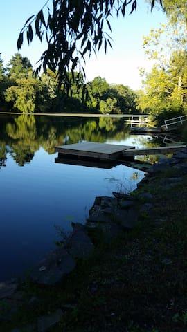 Cozy Valley Escape. Waterfront home - Lake Katrine