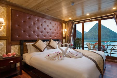 Private Deluxe Room on 4 star Ha Long Bay Cruise