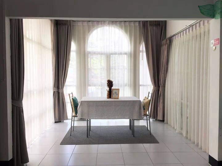 清迈长康街独栋泰式别墅 带花园五间客房整租可容纳14人 可做饭 烧烤