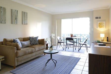 New quiet Apartment, 4 people,  with parking - North Miami - Apartamento