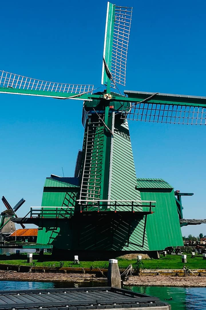 Windmill for sawing wood