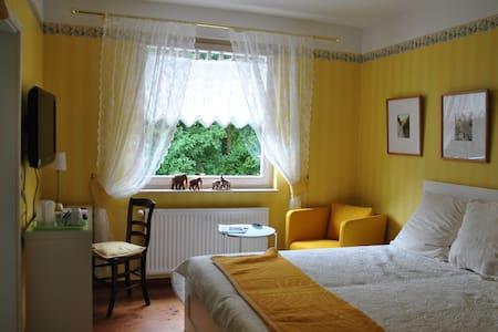 Doppelzimmer ALEXiS mit Gartenblick - Waldbröl