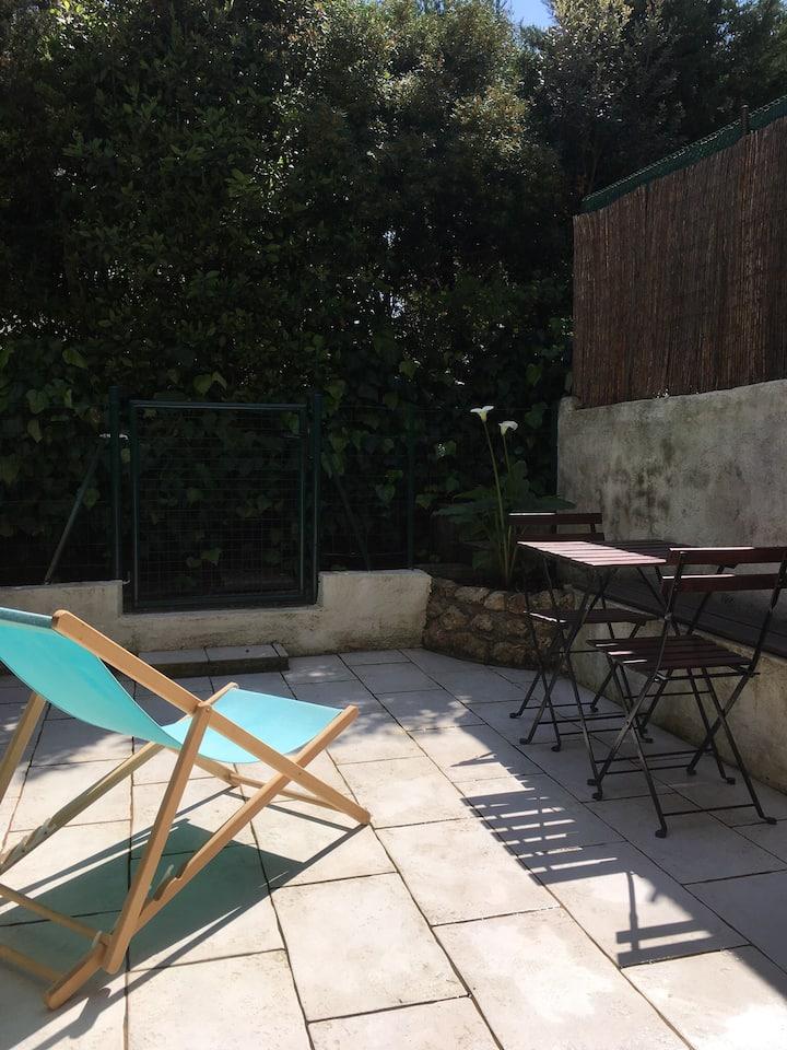Studio Rez de jardin Saint Aygulf