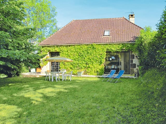 Holiday home in Montclera