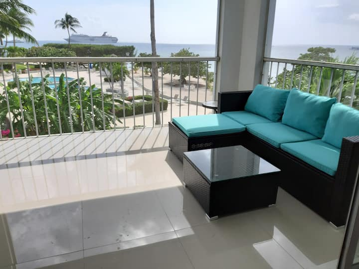 7 Mile Beach Luxury Penthouse - 2 Bed 5 Star