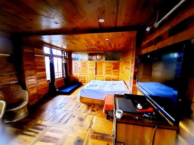Wonderful Wooden Cottage near sethan in Manali
