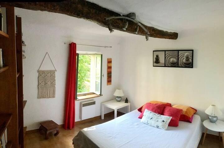 Chambre privée dans mas ancien - Le Rouret