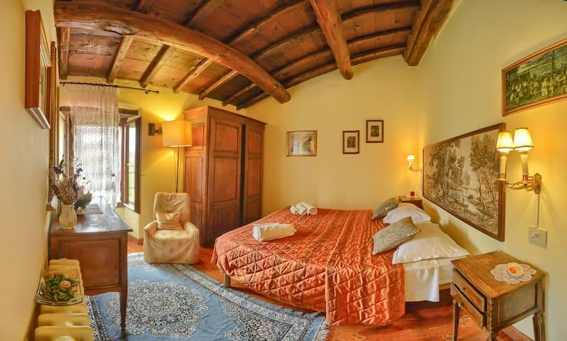 """B&B Ca' Scheta, CAMERA """"MONTAGNANA"""" Toscana"""