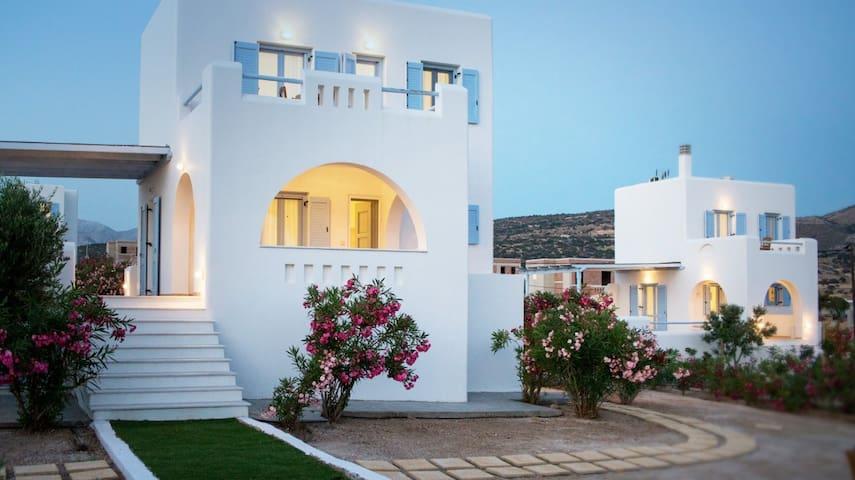 R599 Spacious Villa with uninterrupted view to the Aegean Sea Air Con
