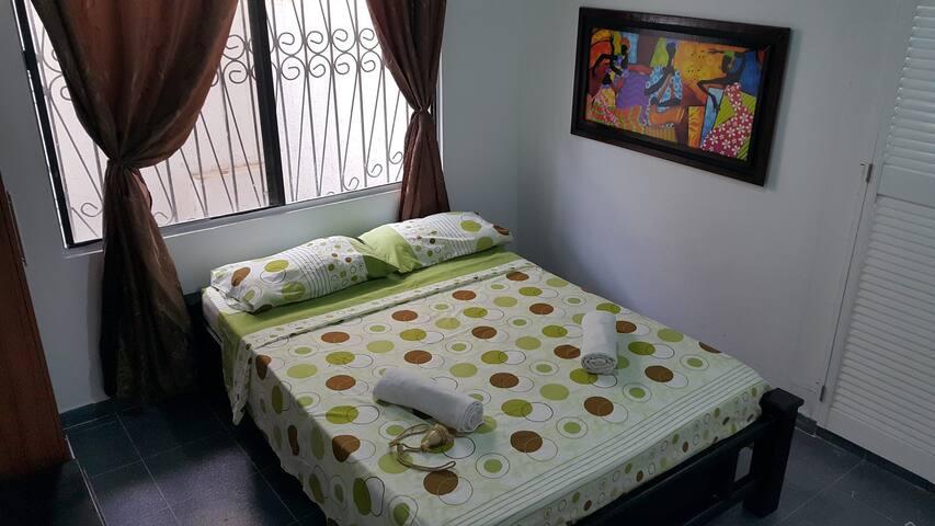 Habitación Doble Baño Privado en Hostel - San Andrés - ที่พักพร้อมอาหารเช้า