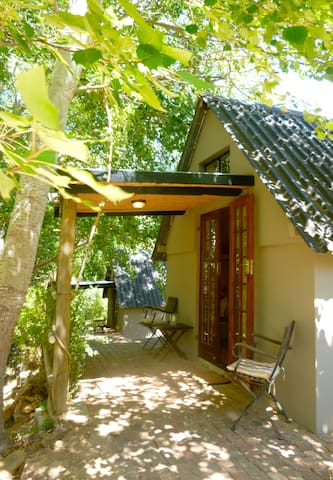 RIVER COTTAGES - Mongoose Chalet @ Porcupine Hills