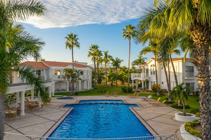 Luxury 3 BD condo in Palmilla- Villas de Oro